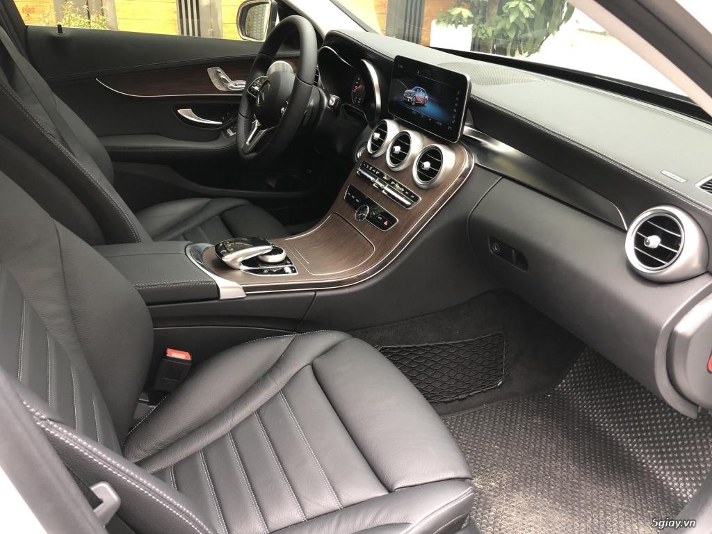 Cần bán xe Mercedes C200 Exclusive 2020, màu trắng mới như xe hãng. - 12