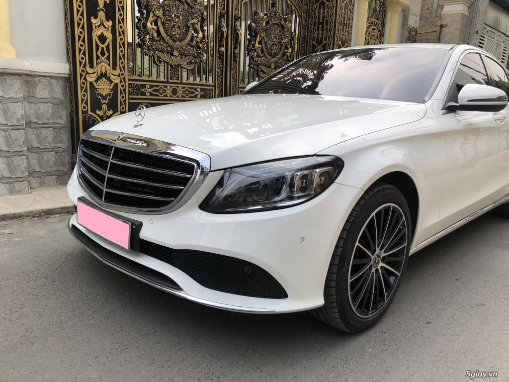 Cần bán xe Mercedes C200 Exclusive 2020, màu trắng mới như xe hãng. - 3