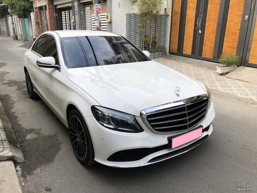 Cần bán xe Mercedes C200 Exclusive 2020, màu trắng mới như xe hãng. - 2