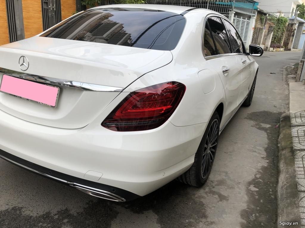 Cần bán xe Mercedes C200 Exclusive 2020, màu trắng mới như xe hãng. - 6