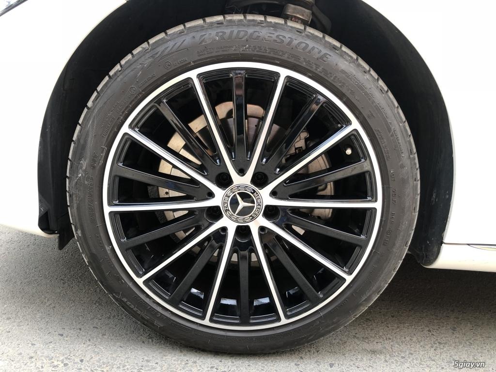 Cần bán xe Mercedes C200 Exclusive 2020, màu trắng mới như xe hãng. - 9