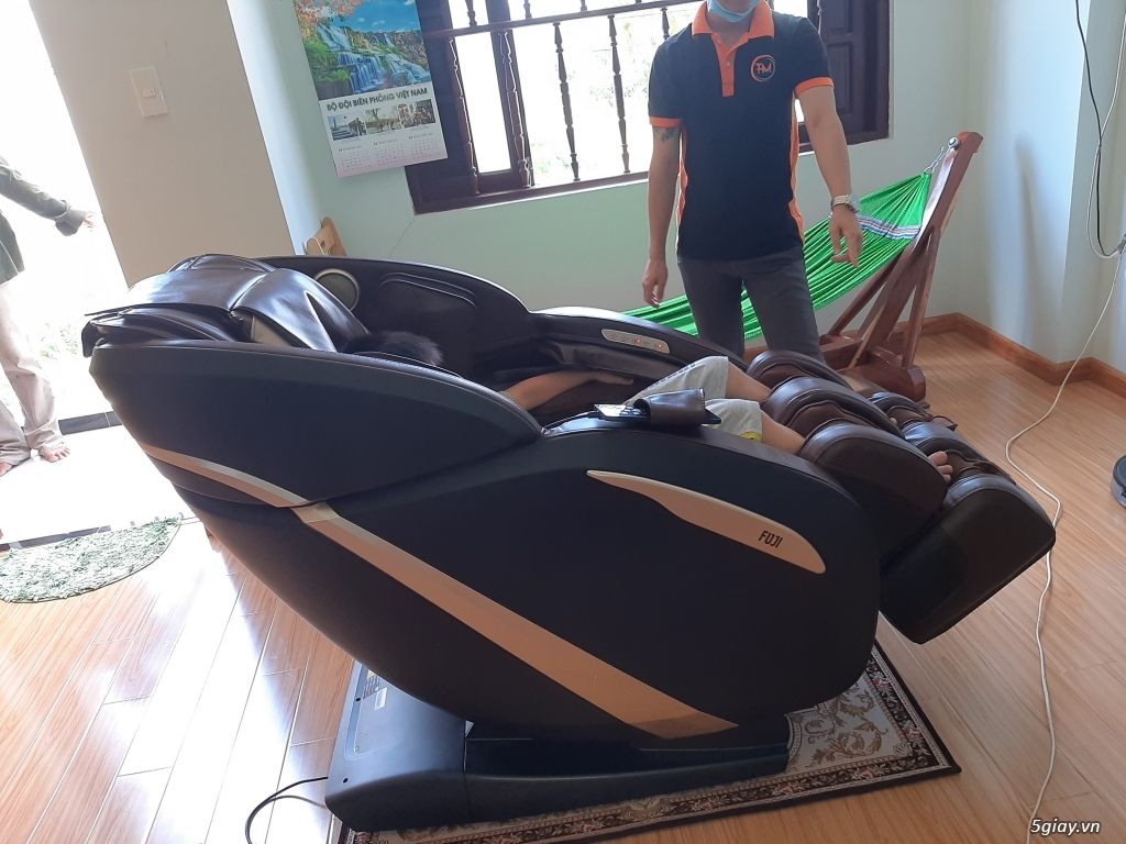 Ghế matxa Fuji Luxury trưng bày