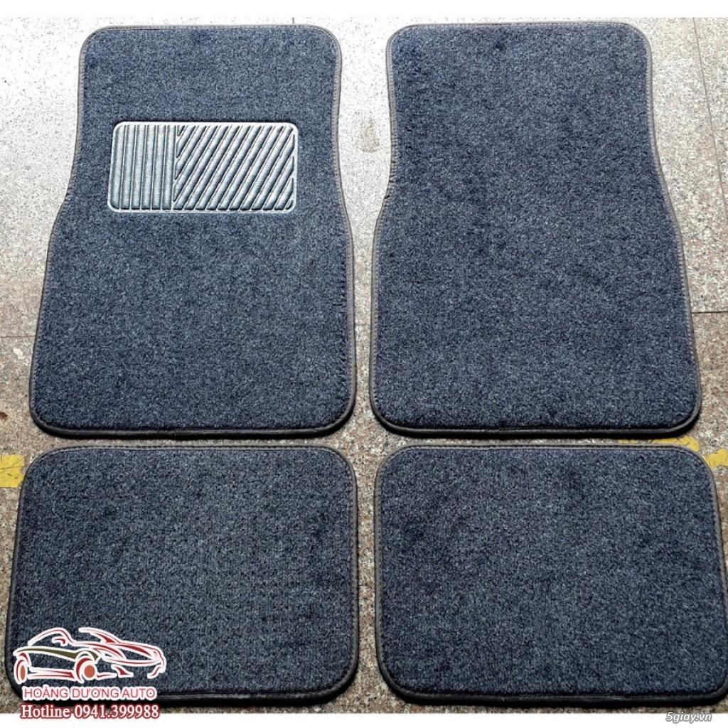 Lót sàn xe ô tô bằng thảm nỉ