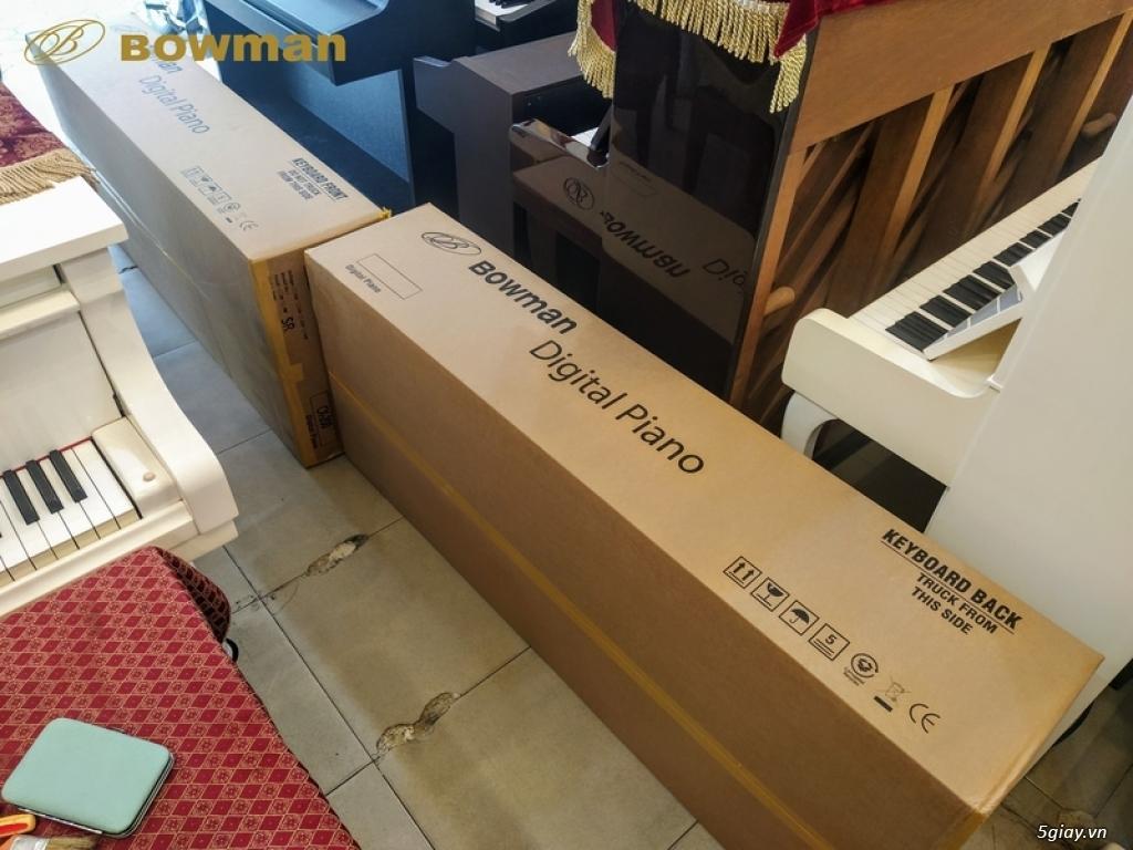 Bowman PIANO có sẵn được trưng bày tại Showroom