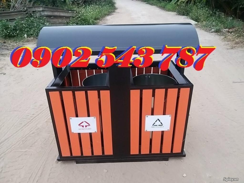 Thùng rác giả gỗ cọc treo  ngăn