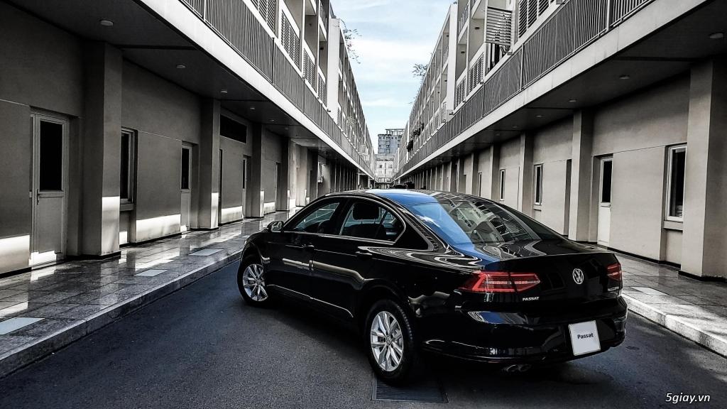 Volkswagen Passat - Xe Doanh Nhân đẳng cấp **Tặng 200 triệu tiền mặt**