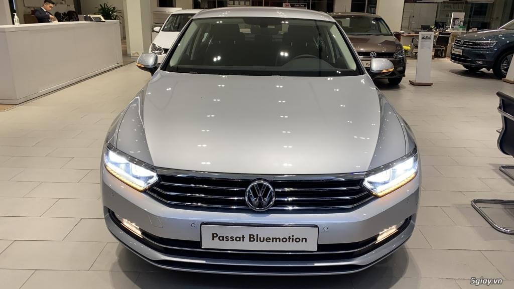 Volkswagen Passat - Xe Doanh Nhân đẳng cấp **Tặng 200 triệu tiền mặt** - 2