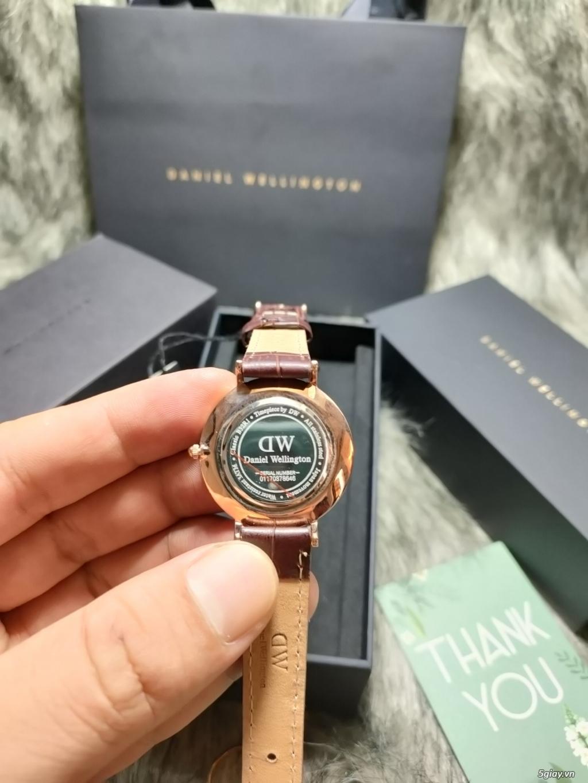 Đồng hồ DW Patite mặt đen dây vàng chính hãng fullbox - 2