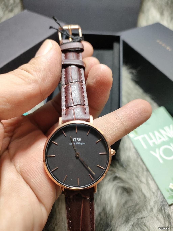 Đồng hồ DW Patite mặt đen dây vàng chính hãng fullbox - 4