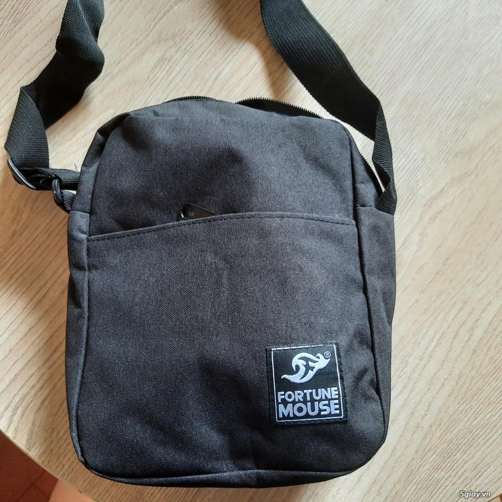 Túi đeo chéo đựng điện thoại, sạc,pin dự phòng, và vật dụng khác..... End 23h ngày 19/06/2021 - 4