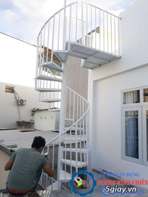Cầu thang sắt tại hcm