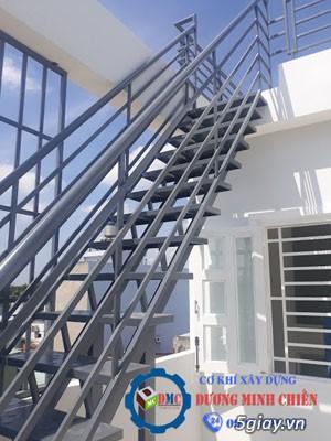Cầu thang sắt tại hcm - 4