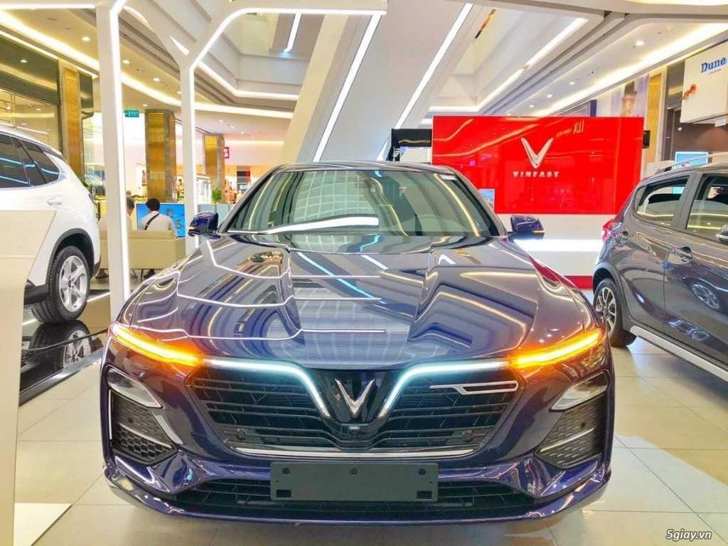 Bán Xe VinFast Lux A Giá Tốt