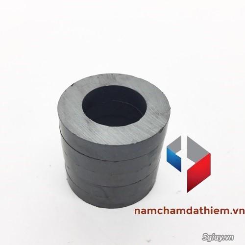 Nam châm tròn lỗ 32-18x6 mm - 1