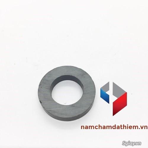 Nam châm tròn lỗ 32-18x6 mm